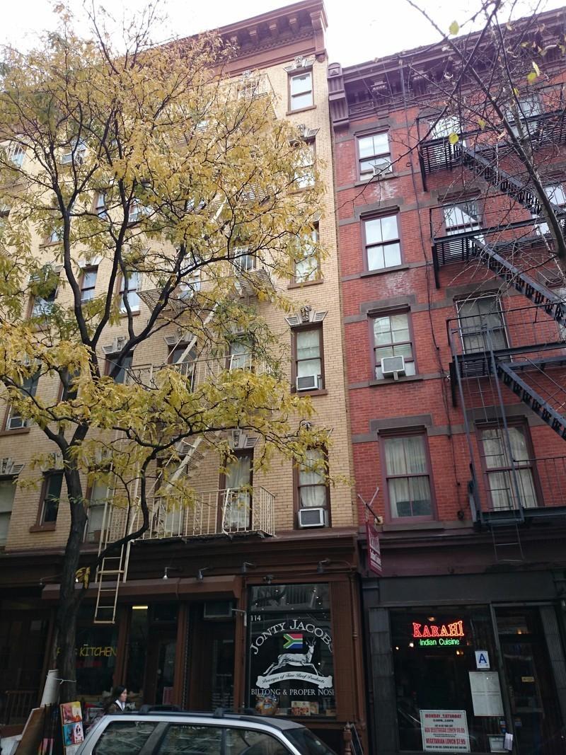 114 christopher street in west village manhattan naked for Manhattan west village apartments