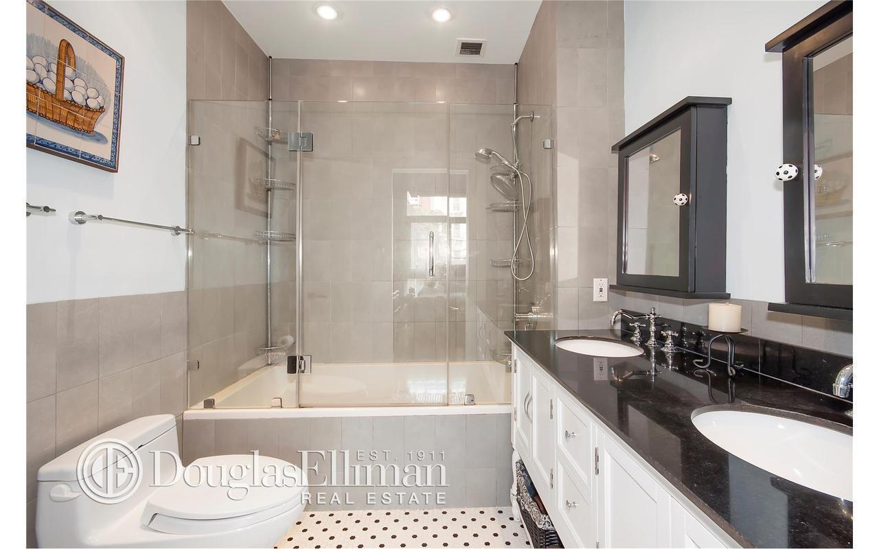 Apartment / Flat / Unit   82 Guernsey Street #1B, New York, NY 6