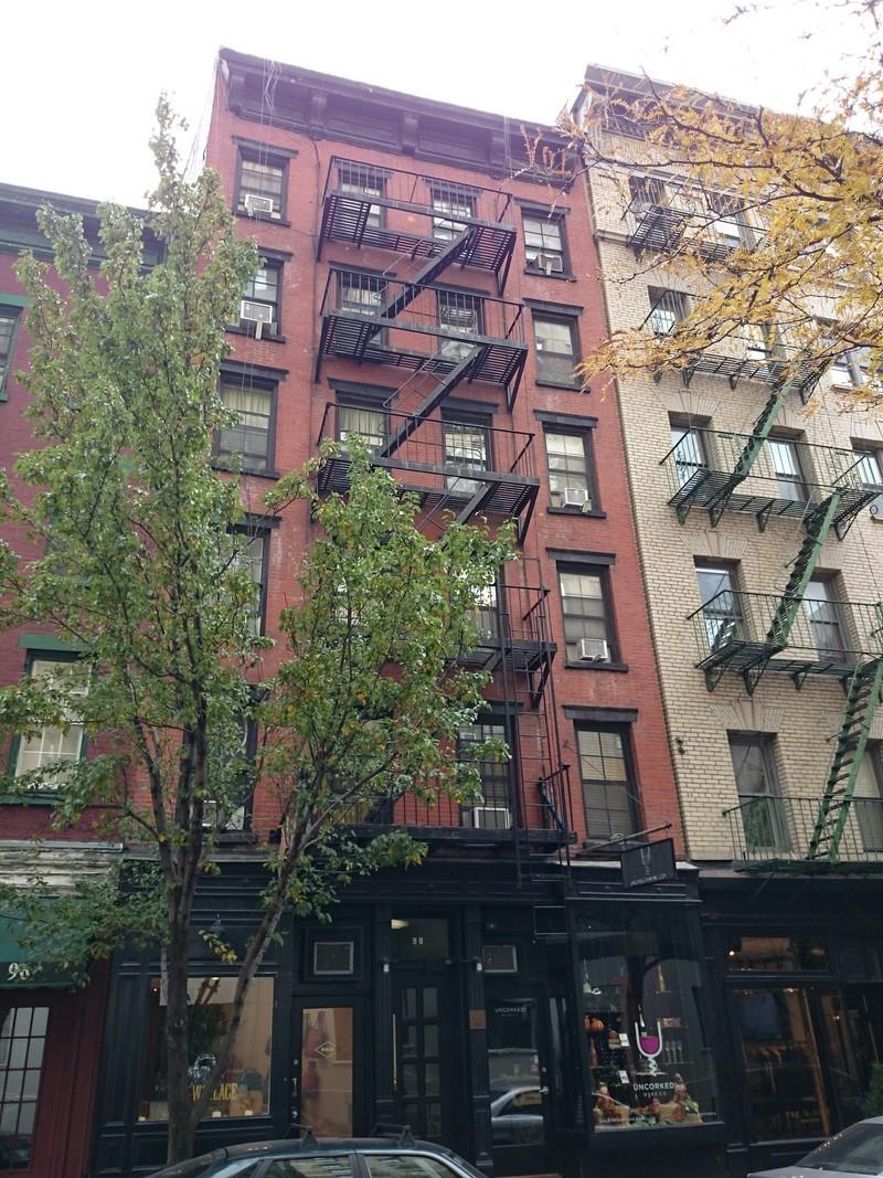 98 christopher street in west village manhattan naked for Manhattan west village apartments