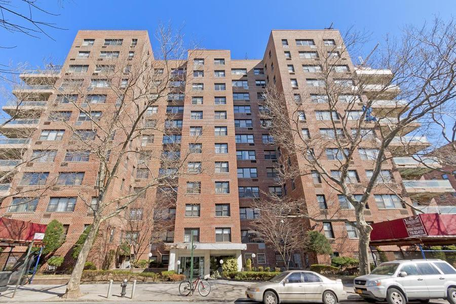 Apartment / Flat / Unit | 303 Beverly Road #9N, New York, NY 8