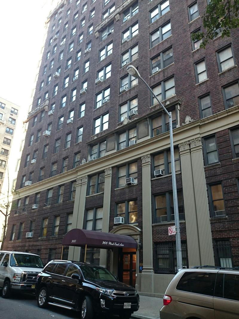 900 west end avenue in upper west side manhattan naked for Apartments upper west side manhattan