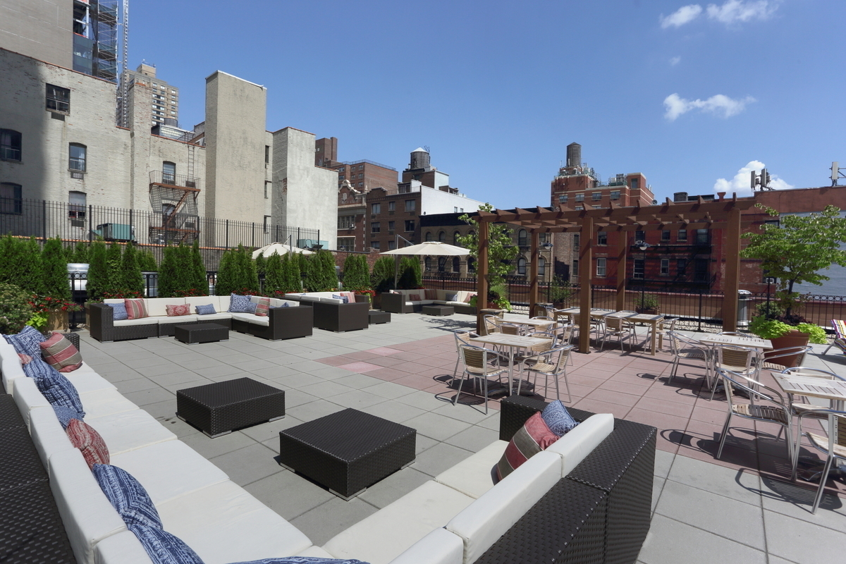 The chesapeake at 345 east 94th st in yorkville sales for 41 river terrace new york ny 10282