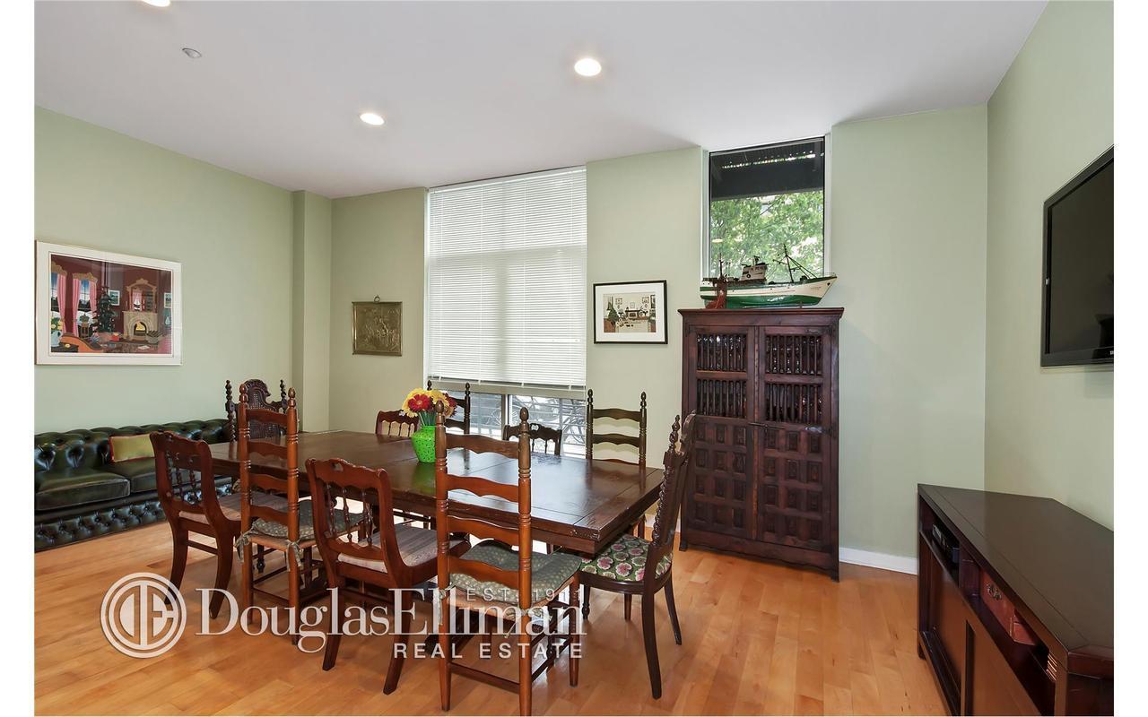 Apartment / Flat / Unit   82 Guernsey Street #1B, New York, NY 2