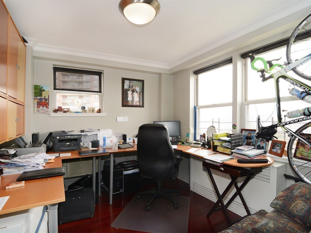 Arlington Avenue Room Rentals