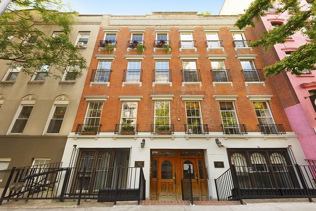 222 East 5th St In East Village Sales Rentals Floorplans