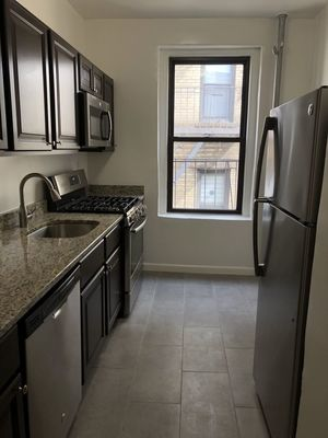 119 21 Metropolitan Avenue