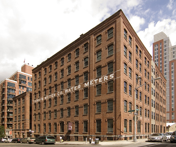Naked Apartments: Studio Rental At Water ST, DUMBO, Posted By Dan Falconetti