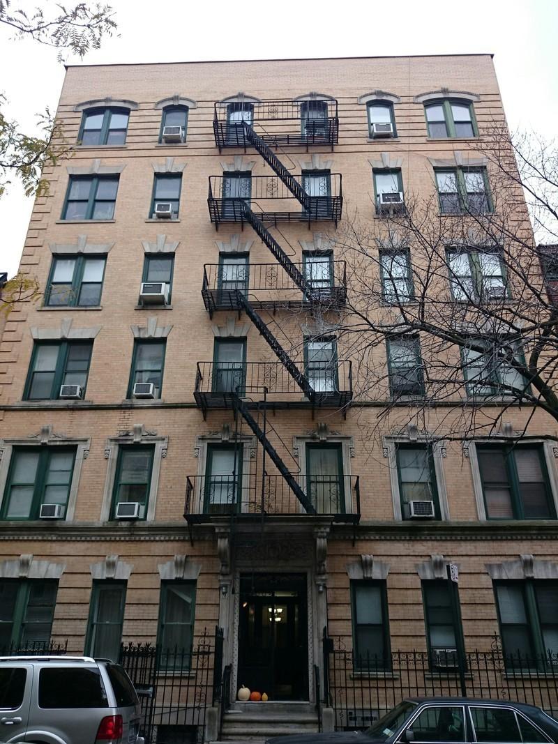 78 bank street in west village manhattan naked for Manhattan west village apartments