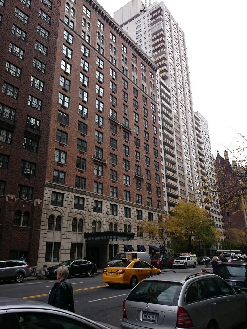 The Olcott At 27 West 72nd St In Upper West Side Sales