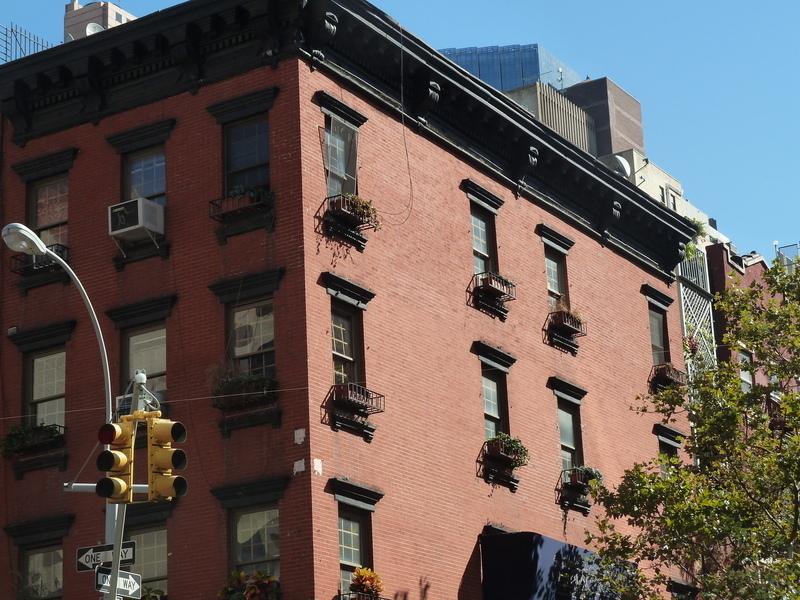 852 10 Avenue In Clinton Manhattan Naked Apartments