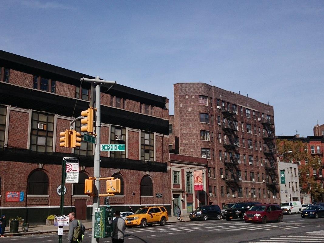 2 7 avenue in west village manhattan naked apartments2 for Manhattan west village apartments
