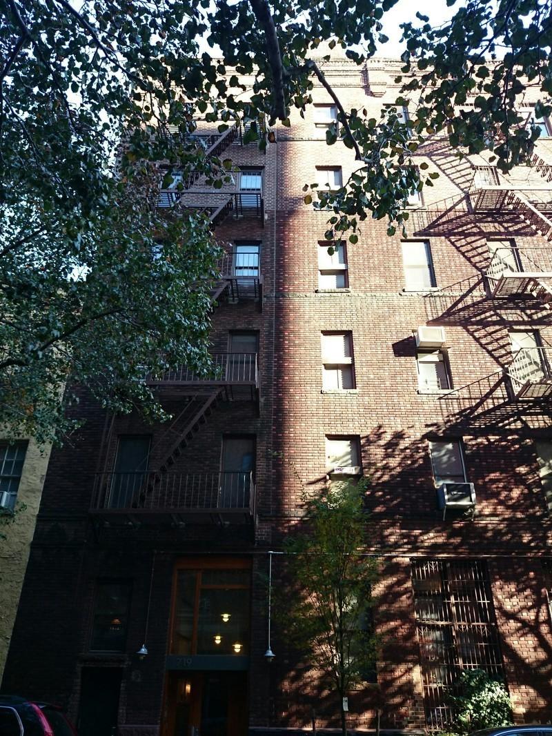719 greenwich street in west village manhattan naked for Manhattan west village apartments