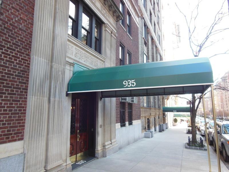 935 Park Ave In Upper East Side Sales Rentals