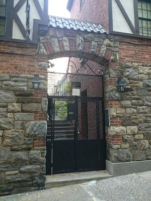 Pomander Walk At 265 West 94th St In Upper West Side