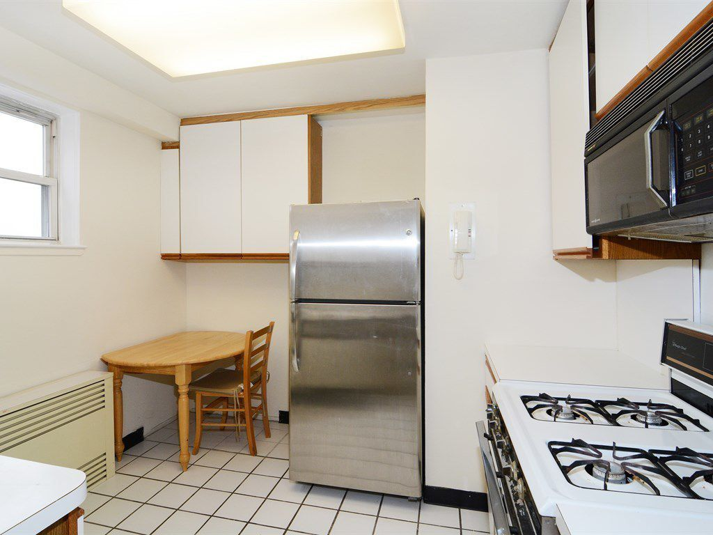 Arlington Avenue Room Rentals